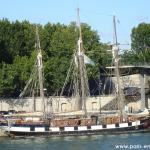 La Boudeuse, amarrée au quai de Bercy