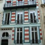 Une maison turquoise au 27 rue Fortuny