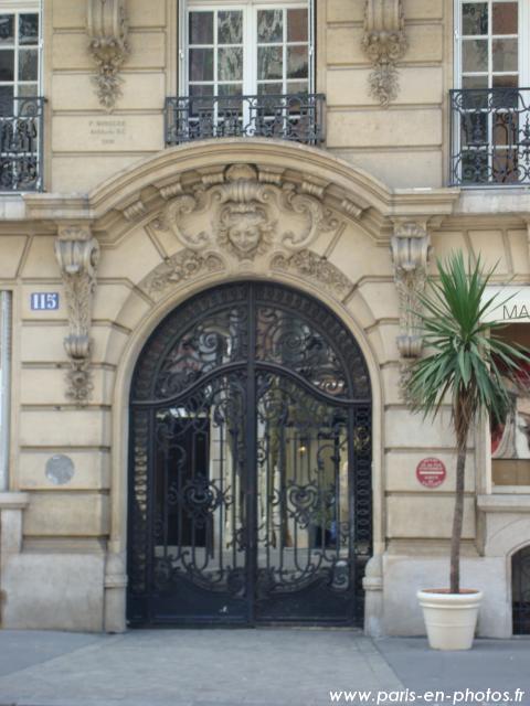 Porte 115 rue de Courcelles