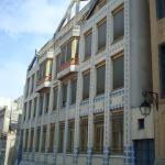 Un bâtiment bleu au 49 rue Gérard