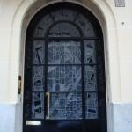 Une porte au 9 square Alboni