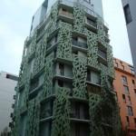 Un bâtiment à la déco végétale rue Hélène Brion