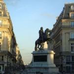La statue équestre Place des Victoires