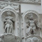 Les statuettes du 8 rue Fortuny