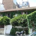 Une maison à la végétation luxuriante, 46 rue Gérard