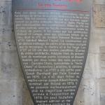 La plaque historique rue Fortuny