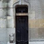 Petite porte au 122 rue Mozart