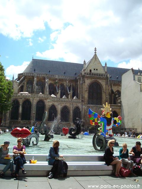 La fontaine Stravinsky (ou Niki de Saint-Phalle) à Beaubourg