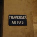 Panneau de signalisation au 80 rue Taitbout