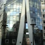 Une tour Eiffel stylisée, 54 rue Albert