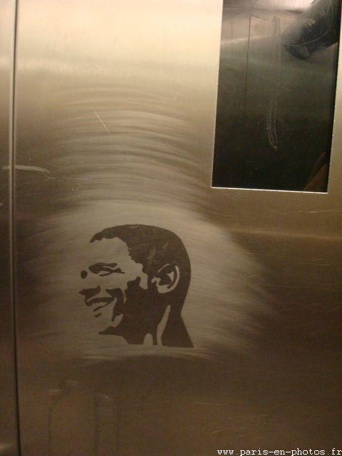 graffiti obama ascenceur abbesses