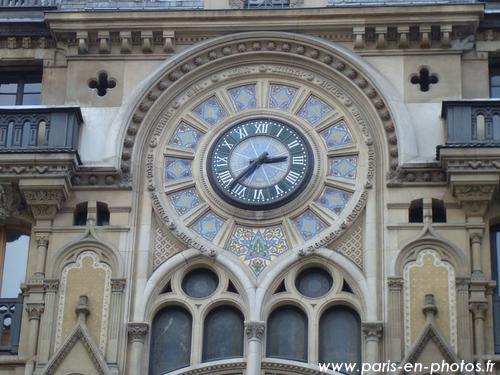 horloge rue réaumur