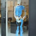 Un homme en plastique, Galerie Lavignes
