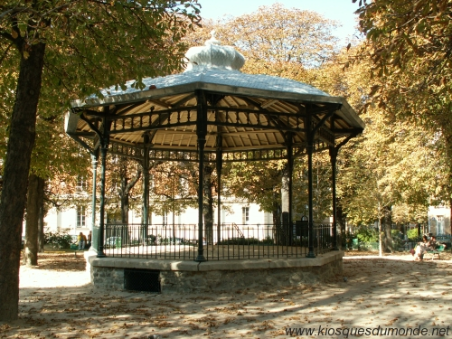 kiosque square necker