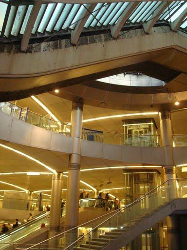 escaliers métro st-lazare