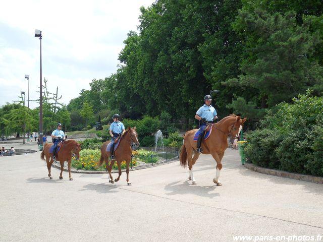 Garde Républicaine parc Serge Gainsbourg