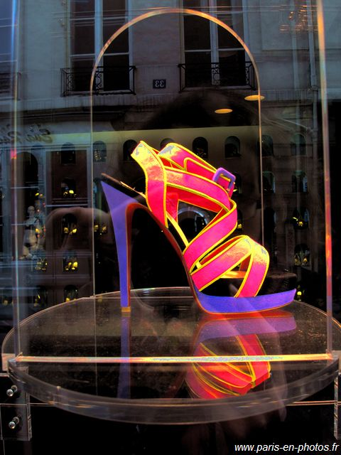 magasin louboutin à paris