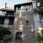 Maison feuillue à Montmartre