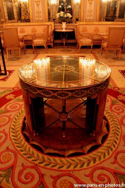 table Napoléon hôtel Beauharnais