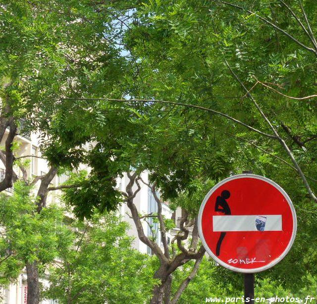 CLET panneau signalisation boulevard Belleville