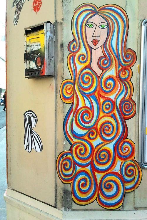 sirène tcha street art barbarella
