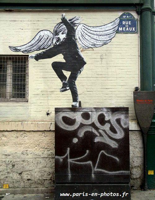 collage aigle rue de Meaux