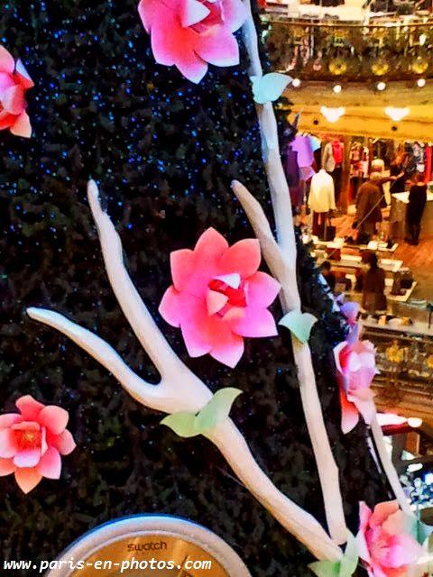 fleurs sapin Galeries Lafayette