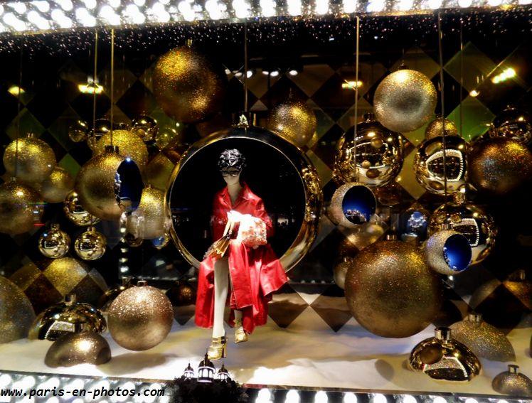vitrine dorée Noël Printemps