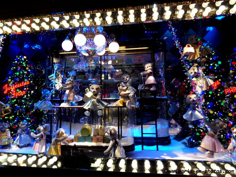 Les vitrines de no l 2013 au printemps paris en photos - Vitrine de noel paris ...