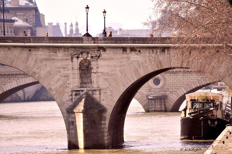 ponts de Paris, Carmen Largo